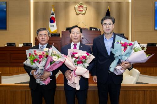 경북도의회 제11대 후반기 의장에 고우현 도의원 선출 영광 안았다 !!